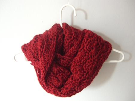 crochet chunky circle scarf