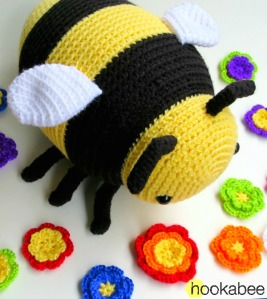 PATTERN Burt the Cuddle-Sized Bumble Bee Amigurumi – Storyland Amis | 300x267
