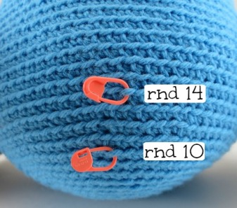 Stitch marker Use 8 for amigurumi: mark location of pieces to attach