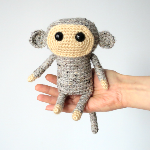 Tiao Pi the Monkey amigurumi pattern by @hookabee