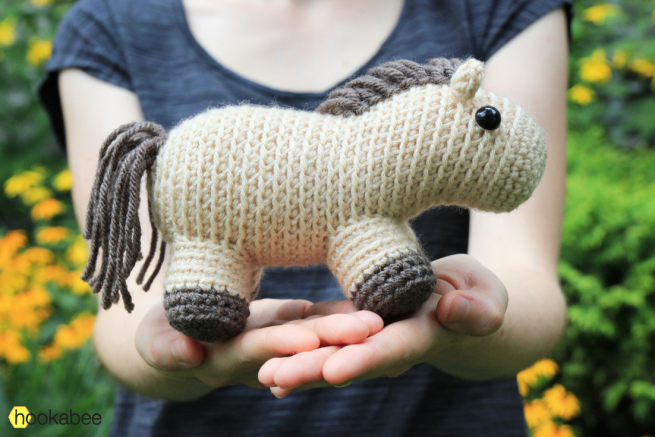 Filip the Horse amigurumi by hookabee crochet